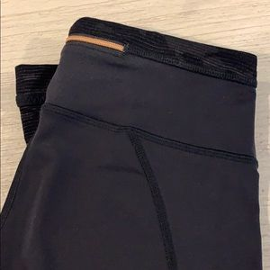 Lululemon mid rise crop with camo detail